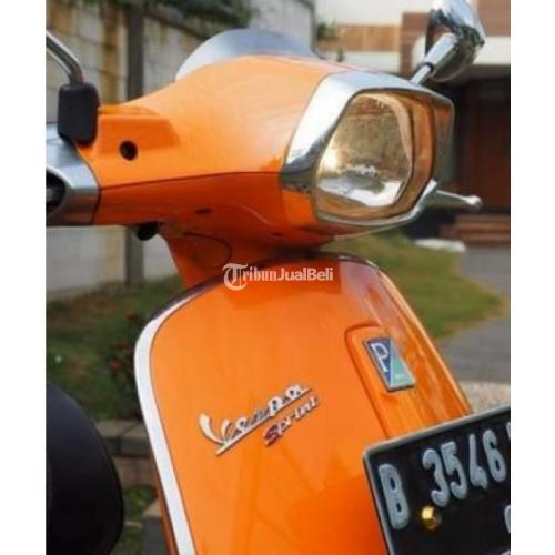 vespa new sprint 150cc warna orange tahun 2014 tangan