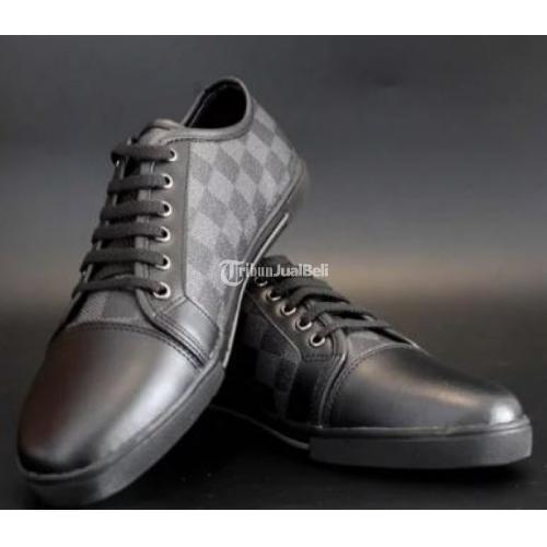 Sepatu Pria Branded LV Punchy Sneaker Damier Graphite Hitam Bahan Kulit Ori Terlengkap - Yogyakarta