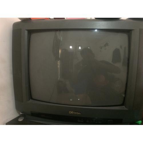 Televisi (TV) Tabung Detron 21 inch Malang