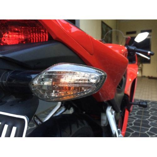 Honda CBR 150 R K45 Tahun 2015 Merah Mulus Bonus Aksesoris - Bekasi