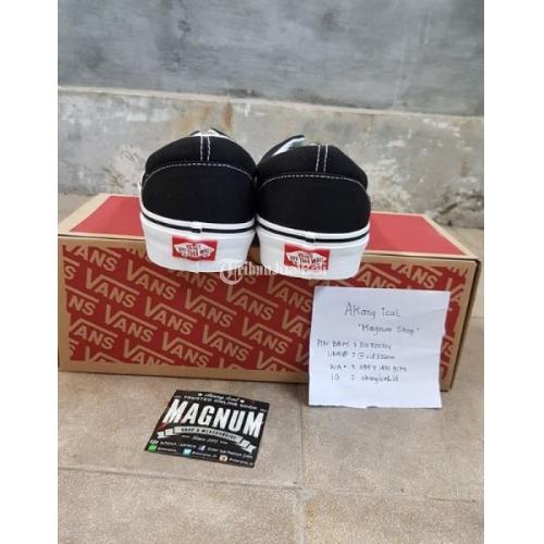 Sepatu Vans Era Bw Classic Original BNIBWT (Brand New in Box With Tag) Size 6 dan 10 - Surabaya