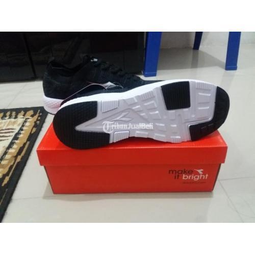 Sepatu Pria Murah Diadora Original Kondisi Baru Lengkap - Medan