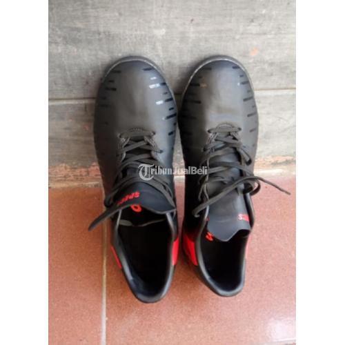 Sepatu Futsal Specs Swervo Size 41 Warna Hitam Mulus Like New No Minus - Solo
