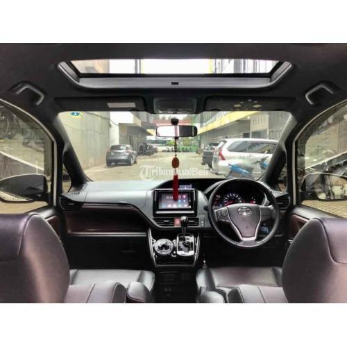 Mobil Mewah Bekas Toyota Voxy A/T 2018 Pajak Panjang Harga Nego - Medan