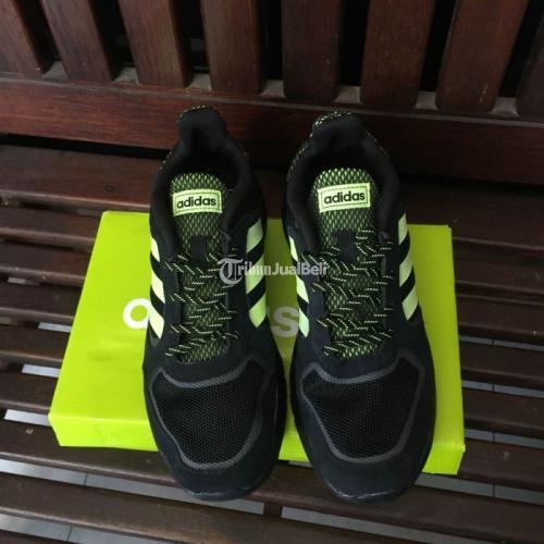 Sepatu Adidas Questar Flow Multicolor Size 42 Belum Pakai Harga Murah - Sidoarjo