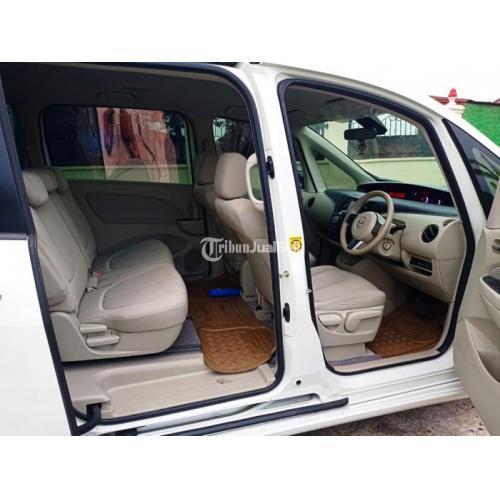 Mobil Bekas Mazda Biante 2.0 L 2013 Matik Terawat Surat Lengkap Harga Nego - Solo