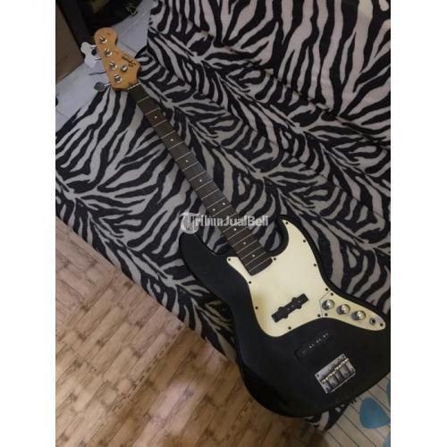 Squier Fender J Bass California Series Bodi Bagus Suara Masih Mantap - Solo