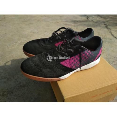 Sepatu Futsal Ortus Jogosala Avalanche Size 40 bagus Oke Harga Murah - Solo