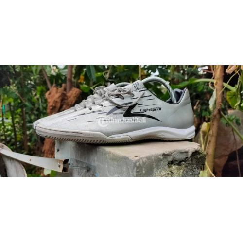 Specs Lightspeed (380 nego ) Silver Mulus Outsole Tebal - Tangerang Kota