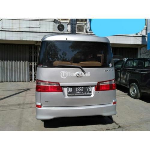 Mobil Daihatsu Luxio D Bekas Tahun 2013 Manual Normal Orisinil Murah - Makassar