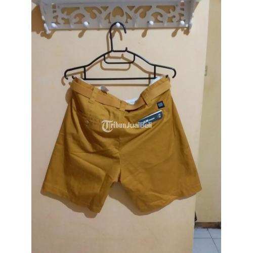 Celana Pendek Original BNWT Pull & Bear Slim Straight Chinos Size 32 - Surabaya