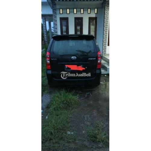 Mobil Daihatsu Xenia 2009 1000CC Irit Harga Nego Warna Hitam - Pasuruhan