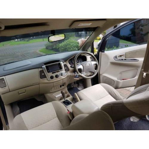 Mobil Toyota Kijang Innova 2014 Matic Warna Hitam Body Mulus Interior Baik - Sidoarjo