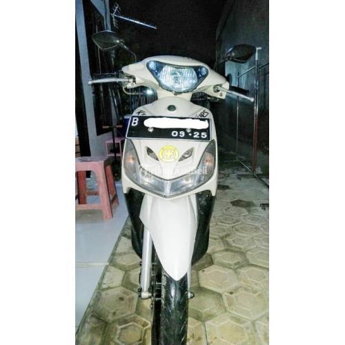 Motor Yamaha Mio Sporty Putih Bekas Mulus 115CC Surat Lengkap Pajak Hidup - Depok