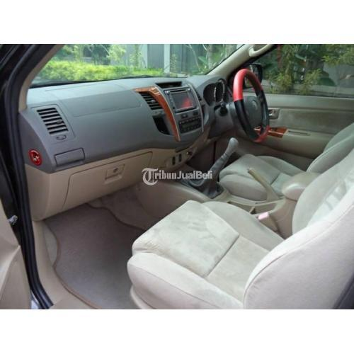 Mobil Toyota Fortuner 2011 Hitam Harga Nego  Pajak Aktif Body Mulus - Sleman