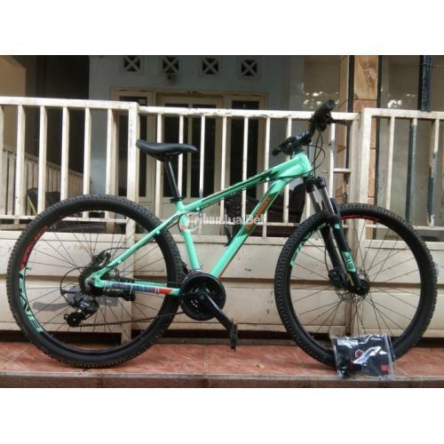 Sepeda MTB Polygon Cascade 4.0 Ukuran Frame M Bekas Mulus Like New - Malang