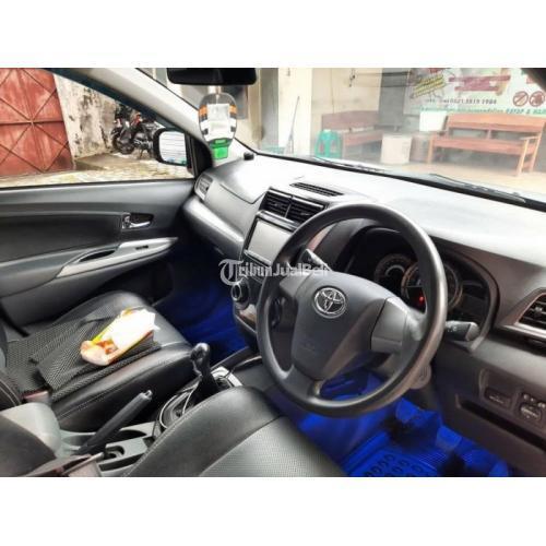 Mobil Toyota Avanza 2016 Manual Silver Bekas Kondisi Normal Terawat - Solo