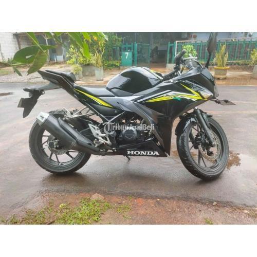 Motor Honda CBR 150R 2017 Bekas Pajak Panjang Surat Lengkap - Jakarta Timur