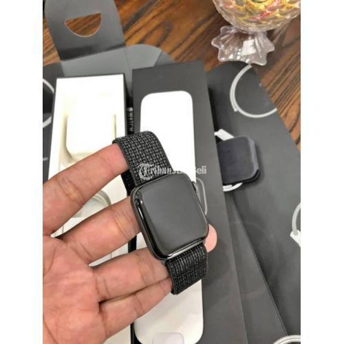 Apple Watch Series 4 44mm Nike Black Second Mulus Fullset Ori Normal - Gianyar