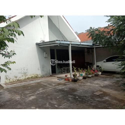 Dijual Rumah Lokasi Strategis Bekas Luas Tanah 258 m2 di Tengah Kota Karang Ayu - Semarang