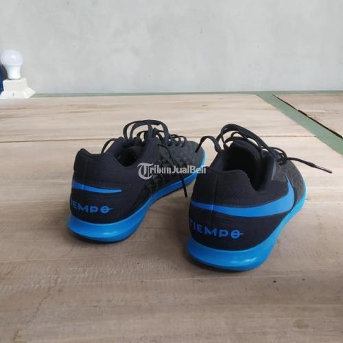 Sepatu Futsal Nike Legend 8 Club IC Ukuran 40.5 Bekas Like New Mulus - Jogja