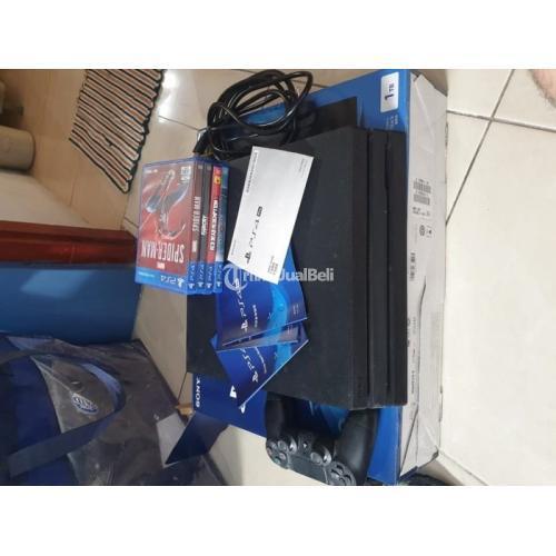 Konsol Game Sony PS4 Pro CUH-7106 1TB Bekas Lengkap Original Harga Nego - Jogja