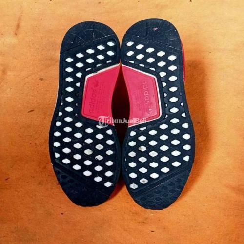 Sepatu Adidas NMD R1 Boost Original  Size 41 Kondisi Bekas Terawat Harga Murah - Surabaya