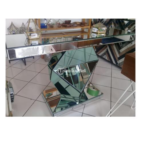 Meja Konsol meja kaca  Diamond Clear Green Size 130 x 40 x 80 cm - Bantul