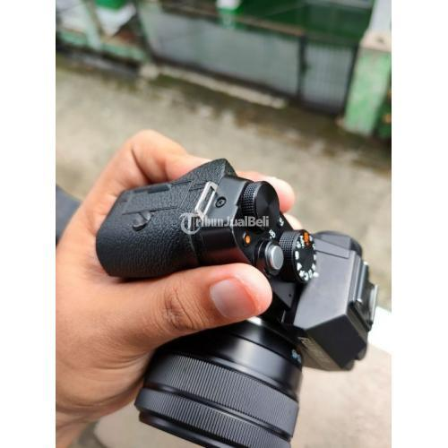 Kamera Mirrorless Fujifilm XT100 Lensa Kit 15-44mm Bekas Fungsi Normal - Bogor