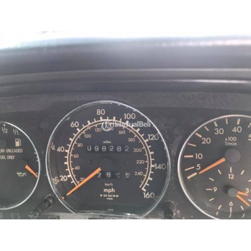 Mobil Mercedes Benz E 320 1994 Full Orisinil Bekas Mulus Terawat - Badung