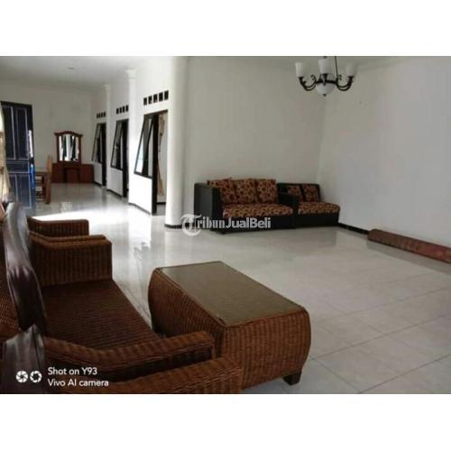 Dijual Villa Cisarua 2 Bangunan Luas 1300 m2 SHM IMB 9 Kamar Bekas - Bogor