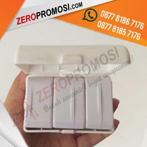 Travel Adaptor With USB Charger Kode UAR01U - Tangerang