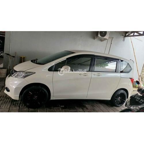 Mobil Honda Freed PSD Matic 2012 Warna Putih Bekas Full Orisinil - Denpasar
