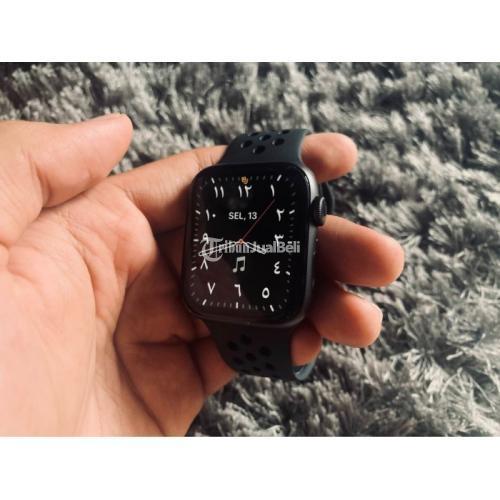 Apple Watch Series 4 - 44 mm Nike Edition Second Like New Mulus Fullset - Sidoarjo