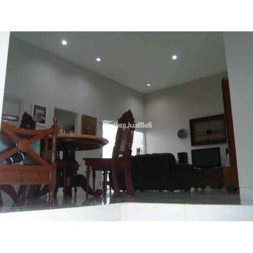 Dijual Rumah Mewah Dekat Bandara Isi 4 Kamar Bekas Bersih Luas Harga Nego - Semarang