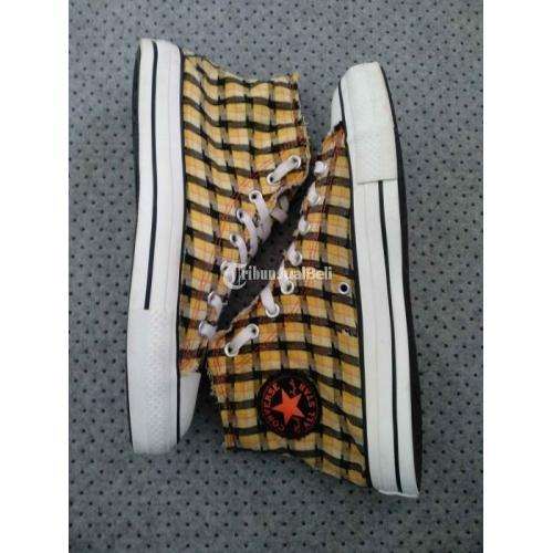 Sepatu Converse Flanel Secondhand authentic Size 42 Kondisi Normal - Bandung