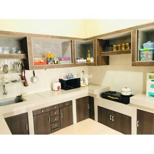 Dijual Rumah Mewah 2 Lantai Luas 300 m2 Isi 7 Kamar Kitvhen Set Bekas - Semarang