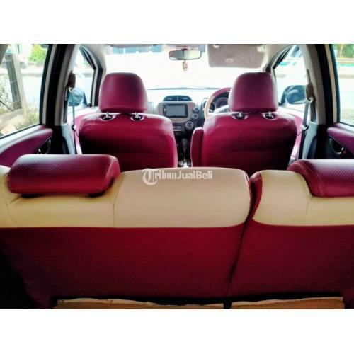 Mobil Hatchback Honda Jazz RS Matic 2012 Putih Bekas Bagus Orisinil - Kendal