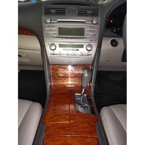 Mobil Toyota Camry 2.4 V A/T 2011 Hitam Metalik Bekas Full Orisinil - Bandung