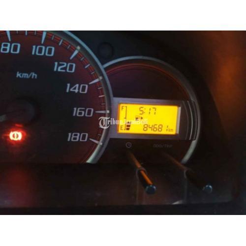 Mobil Daihatsu Xenia X MT 2014 Bekas Low KM Mulus Surat Lengkap - Denpasar