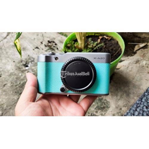 Kamera Mirrorless FujiFilm X-A20 Body Only Bekas Normal No Vignet - Jakarta