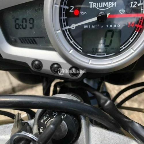 Motor Triumph Street Triple 675 2010 Mesin Inline 3 Cylinder & Sehat Second - Bandung