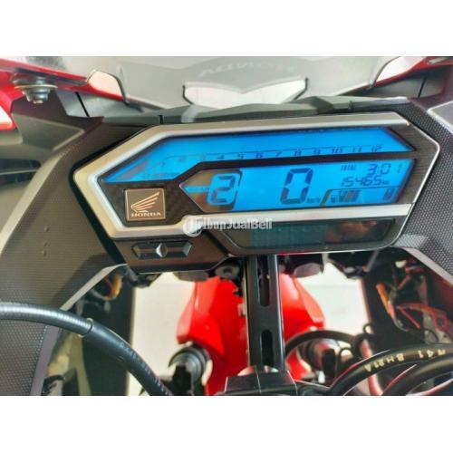 Motor Honda CBR 150cc 2018 Body Mulus Bekas Surat Lengkap Mesin  Normal - Surabaya
