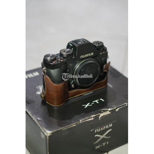 Kamera Fujifilm X11 Fullset Bekeas Lensa Manua 25mm F1.8 Bebas Jamur - Banjar
