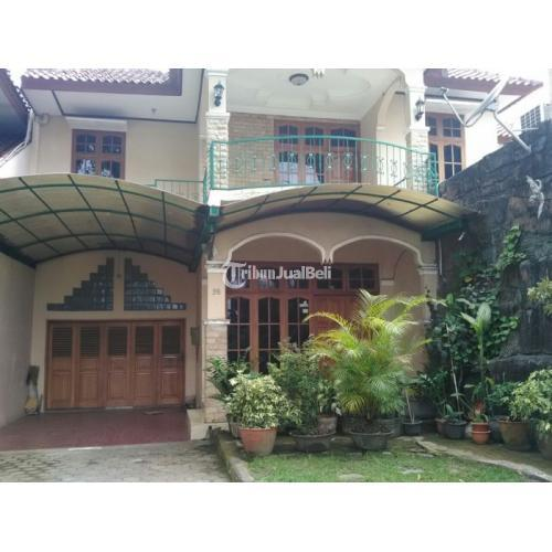 Dijual Rumah MEWAH 2 LANTAI BONUS TOKO Kondisi Bekas Depan PIKALI Pizzeria Jl DAMAI. Lt 440m² - Sleman