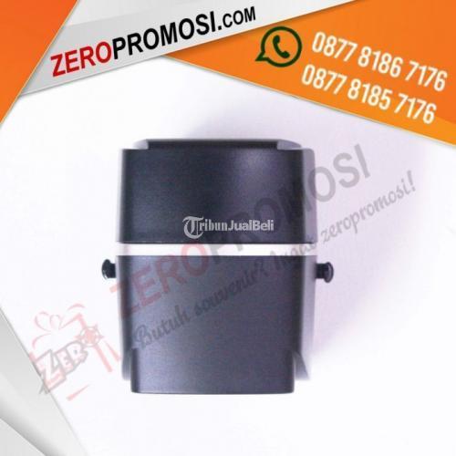 Barang Promosi Universal Travel Adaptor 4 Port USB - UAR06 - Tangerang