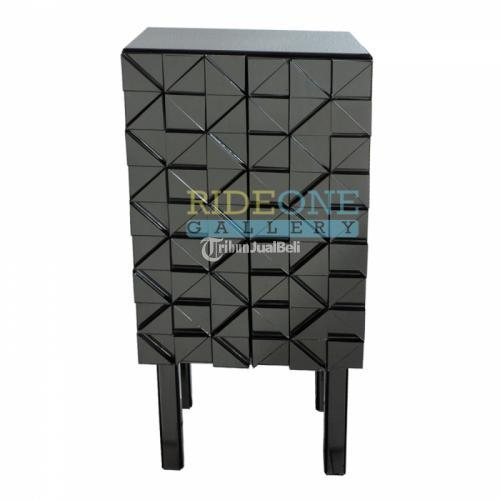 Emersia 2 Pintu Dalam Diberi Hambalan Grey Size 50X35X110 cm Baru - Bantul