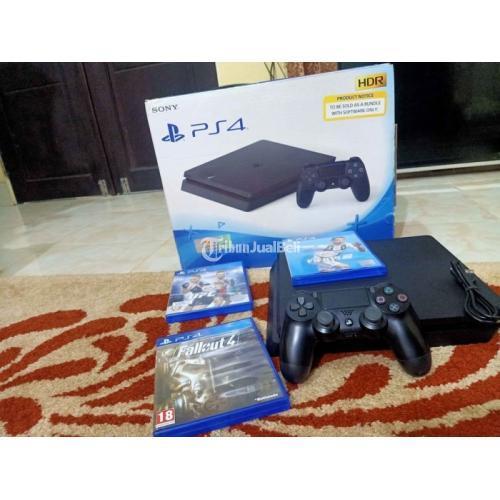Konsol Game Sony PS4 Slim 500GB Bekas Siap Pakai Fullset Masih Segel - Banjarmasin