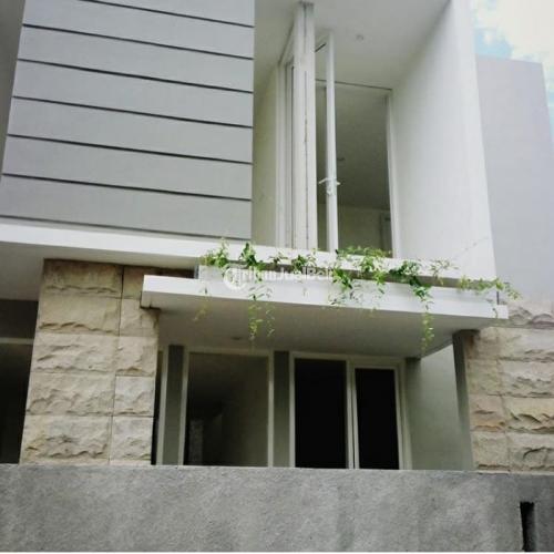 Dijual Rumah 2 Lantai 3Kamar Siap Huni 1Km ke Kampus Atmajaya Sadhar Mrican - Jogja