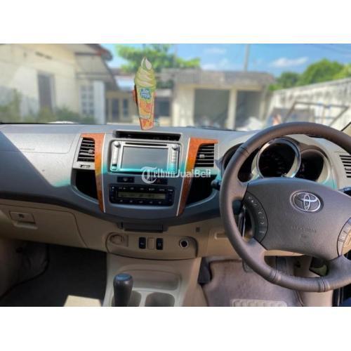 Mobil SUV Toyota Fortuner G Diesel Matic 2011 Bekas Orisinil Pajak Baru - Solo
